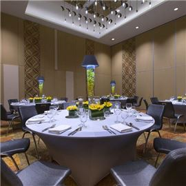 Banquet style meeting room